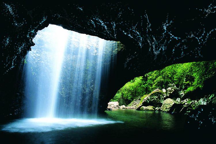 壁纸 风景 旅游 瀑布 山水 桌面 750_500