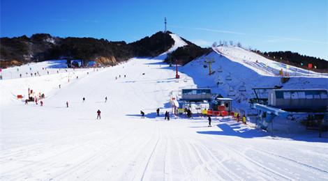 【温泉+滑雪·周边游】北京南山滑雪+温泉+夜游古北水镇一日游