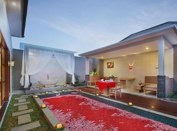 【花漾甜蜜】巴厘岛5晚7天半自助【独栋泳池别墅+海边五星/赠送1日用车/蜜月布置】