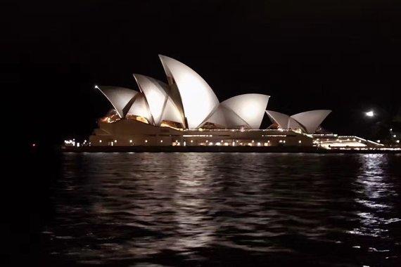 【经典】澳大利亚 悉尼、墨尔本、黄金海岸8日跟团游东航(全程四星酒店,黄金海岸升级两晚五星星亿酒店)购物