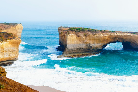 【全景】澳大利亚·新西兰 悉尼、黄金海岸、墨尔本、基督城、蒂卡坡、皇后镇、奥克兰、罗托鲁阿14日跟团游东航(黄金海岸两晚五星星亿酒店)