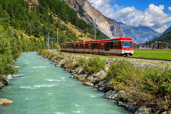 【欢度春节】瑞士一地9天7晚跟团游【洛伊克巴德山景温泉/瑞士签】